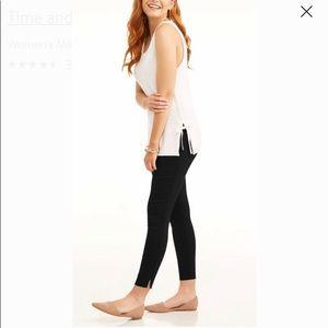 Time and Tru Women's Skinny Pant Black Sz 18 NWT